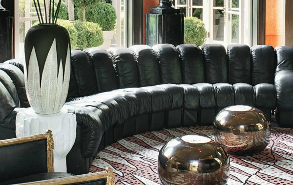 Remarkable Leather Sofas For A Stylish And Timeless Living Room Set