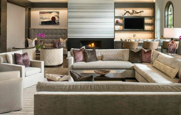 10 Smashing Modern Sofas In Living Room Projects By Dallas Design Group modern sofas 10 Smashing Modern Sofas In Living Room Projects By Dallas Design Group 7 Smashing Modern Sofas In Living Room Projects By Dallas Design Group 600x380