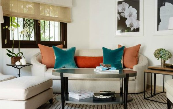 10 Dazzling Modern Sofas In Interiors By Kamini Ezralow Design modern sofas 10 Dazzling Modern Sofas In Interiors By Kamini Ezralow Design Dazzling Modern Sofas In Interiors By Kamini Ezralow Design 600x380
