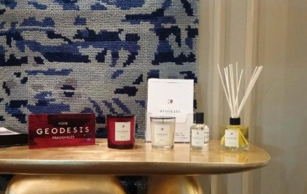 A Luxury Home Fragrance That Will Spice Up Your Living Room Set